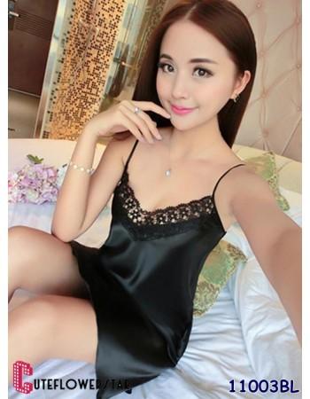 อีกระดับแห่งความเซ็กซี่ของผู้หญิง ชุดนอนน่ารักสีดำ ผ้าซาตินเว้าอก 11003BL