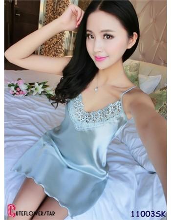 ผ้าซาตินสีฟ้า ชุดนอนแต่งลูกไม้หน้าอก น่ารัก สุดเย้ายวนใจ 11003SK