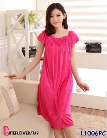 ความน่ารักที่ต้องลอง ชุดนอนกระโปรงยาว สีชมพูบานเย็น เนื้อผ้าซาติน 11006PC
